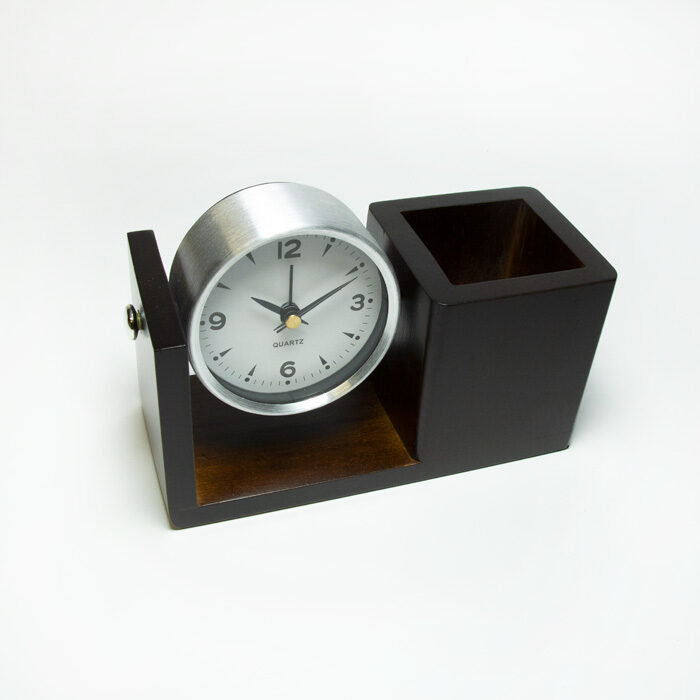 Galda organizators pulkstenis