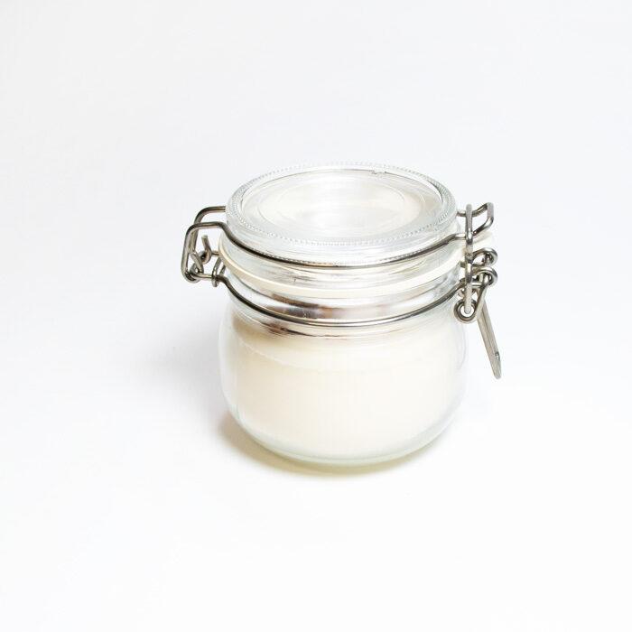 Sojas vaska svece burciņā ar stikla vāciņu
