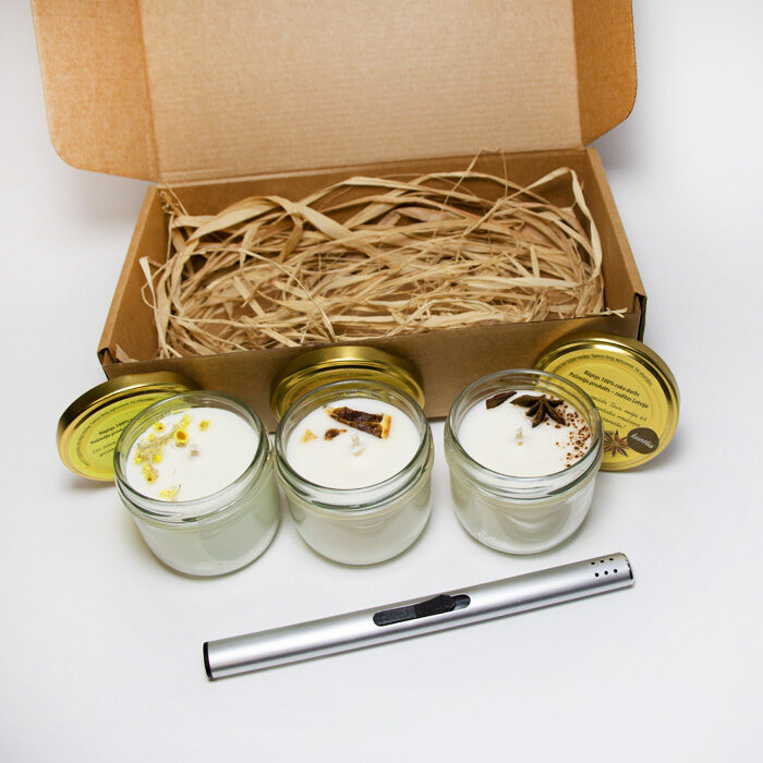 Sojas vaska sveču komplekts dāvanu kastītē ar šķiltavām